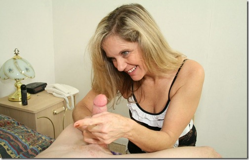 club-tug-milf-milking-a-fat-tool
